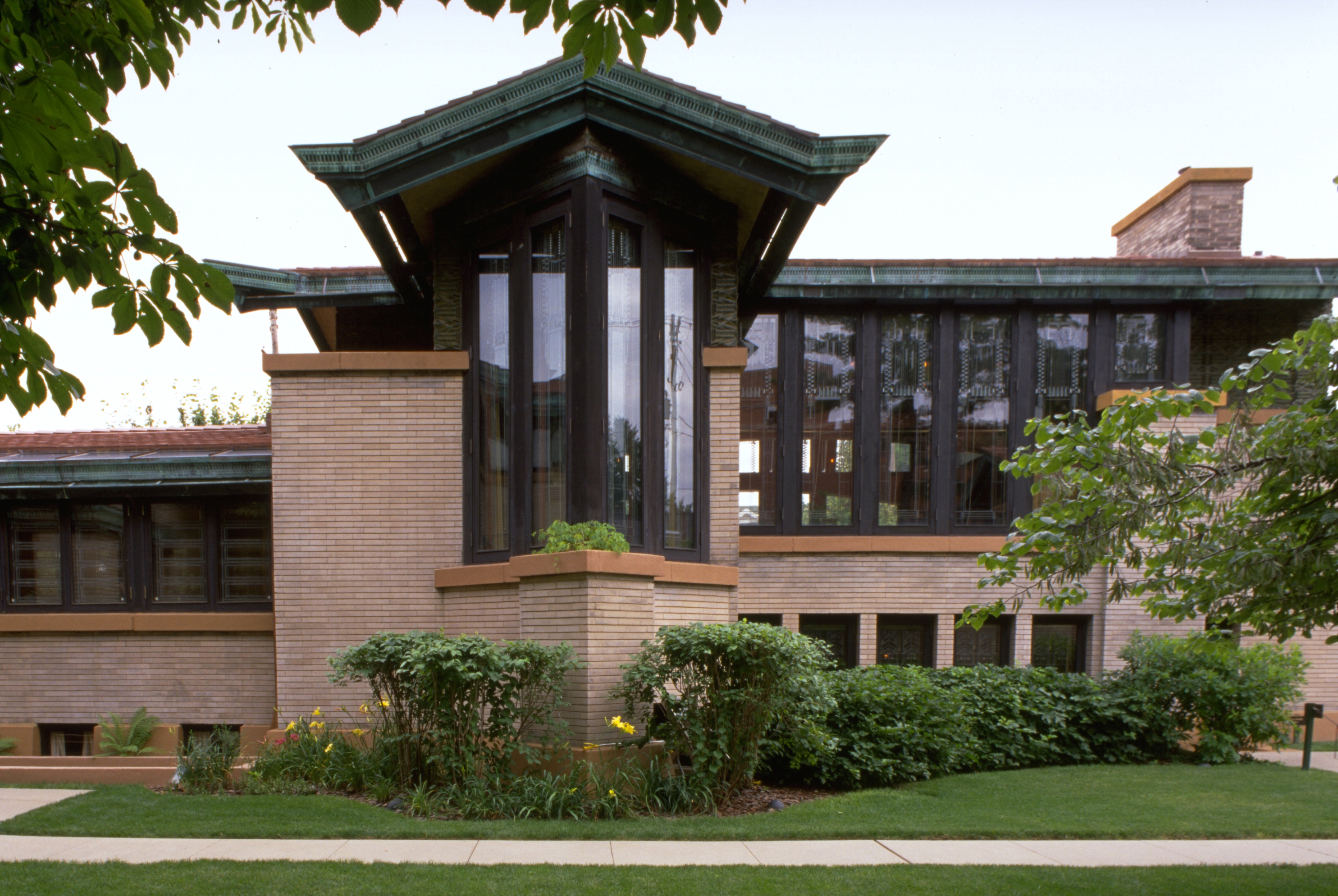 Sites attractions dana thomas house a frank lloyd for Frank lloyd wright list of houses