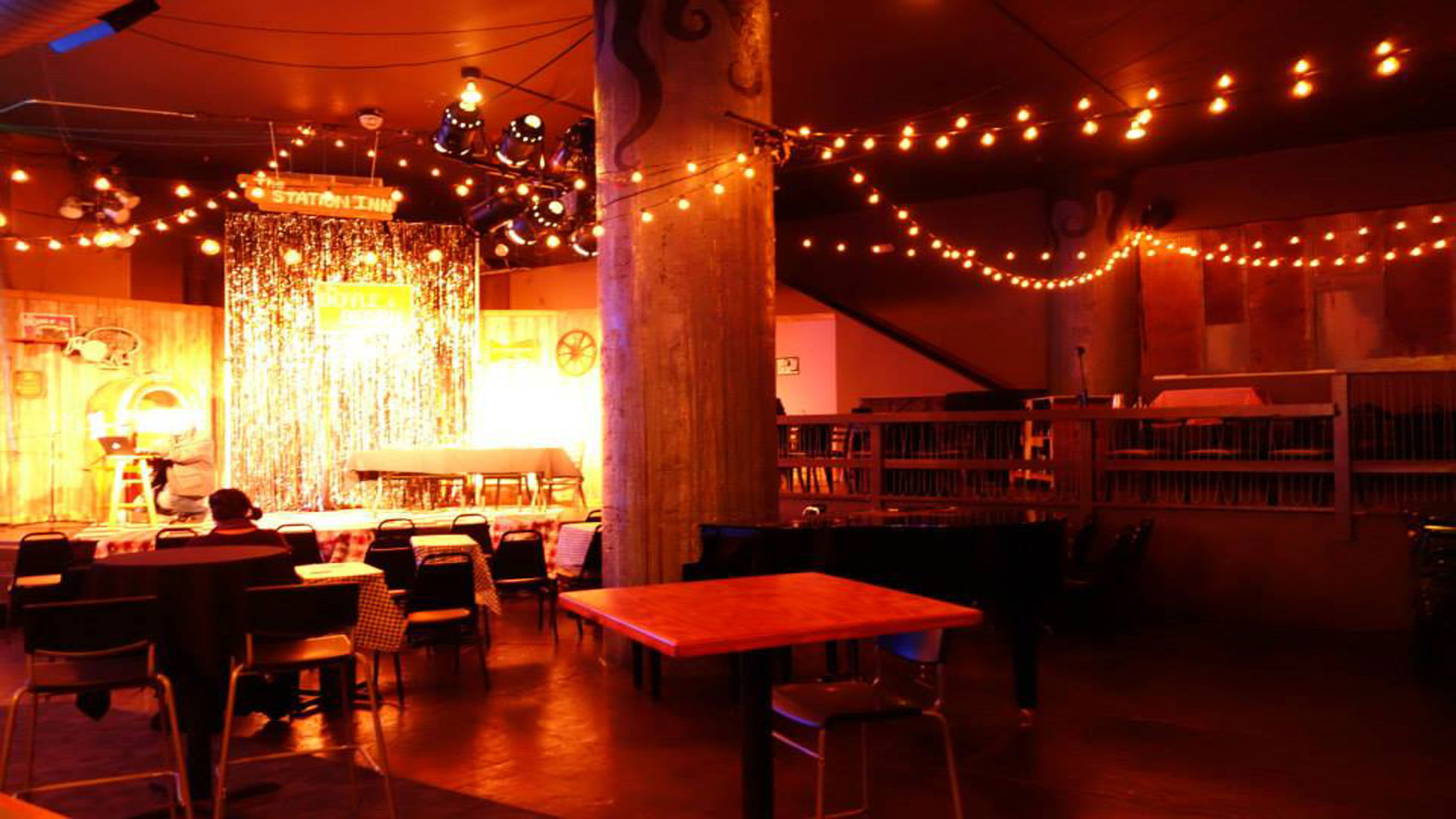 Camp Bar & Cabaret