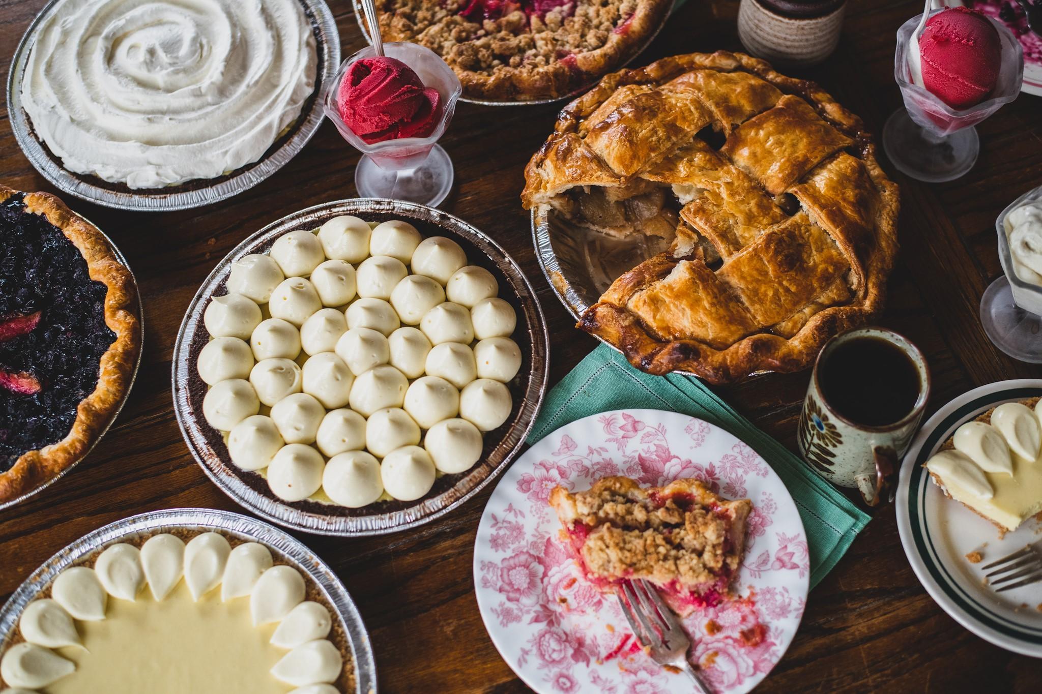 Hot Hands Pie & Biscuit