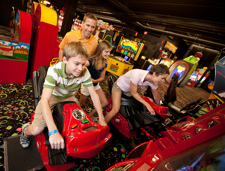 Great Wolf Lodge | Arcade and games
