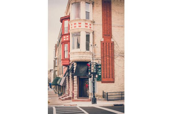 Hilltop International Pub
