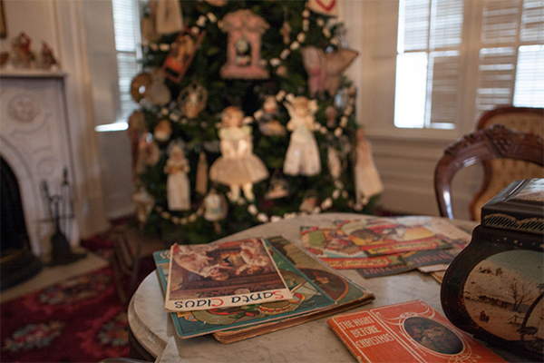 Holiday Tours at the Lincoln-Tallman House