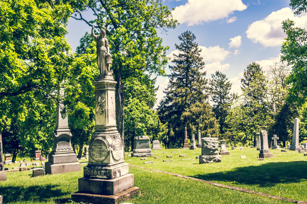 Chill at Oak Hill Cemetery Tour