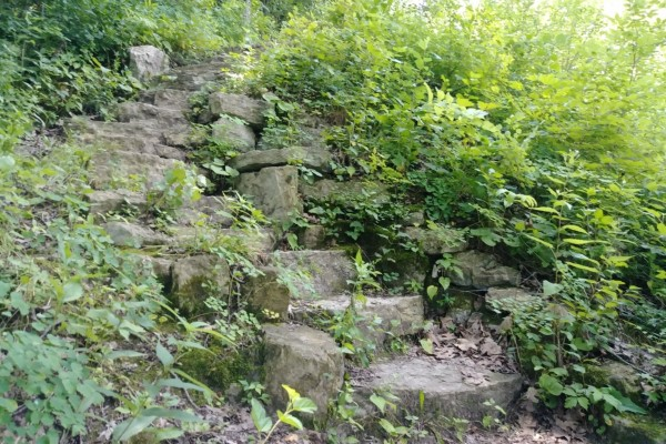 Crowd-Free Fun: Hike the Devil's Staircase