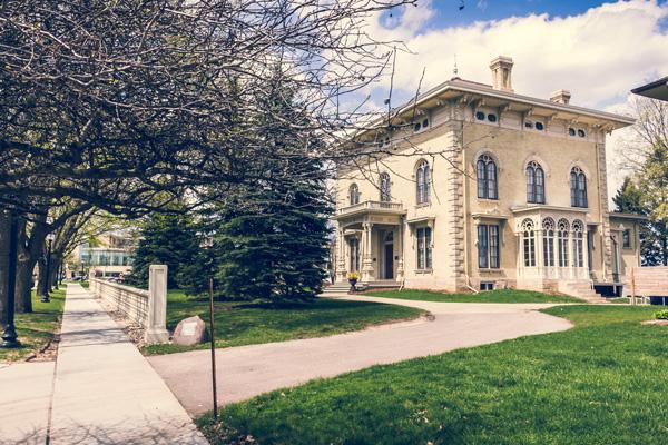 Crowd-Free Fun: Explore Historic Districts