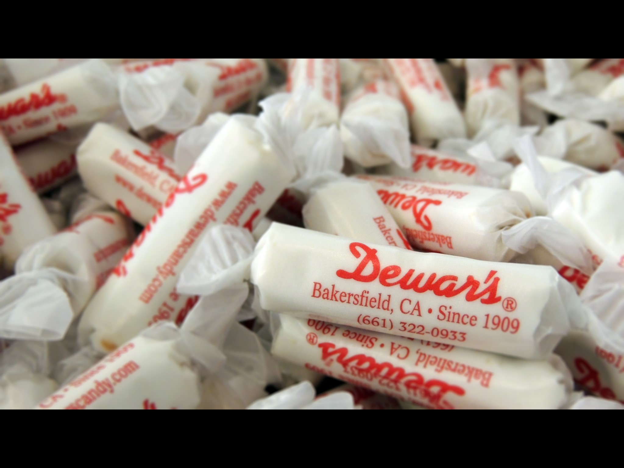 Dewar's Candies & Ice Cream Parlor