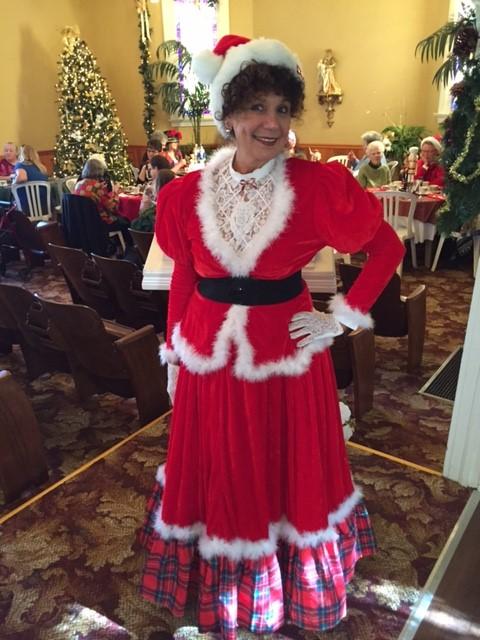 Mrs. Claus Celebrates Oxnard's Cultural Diversity