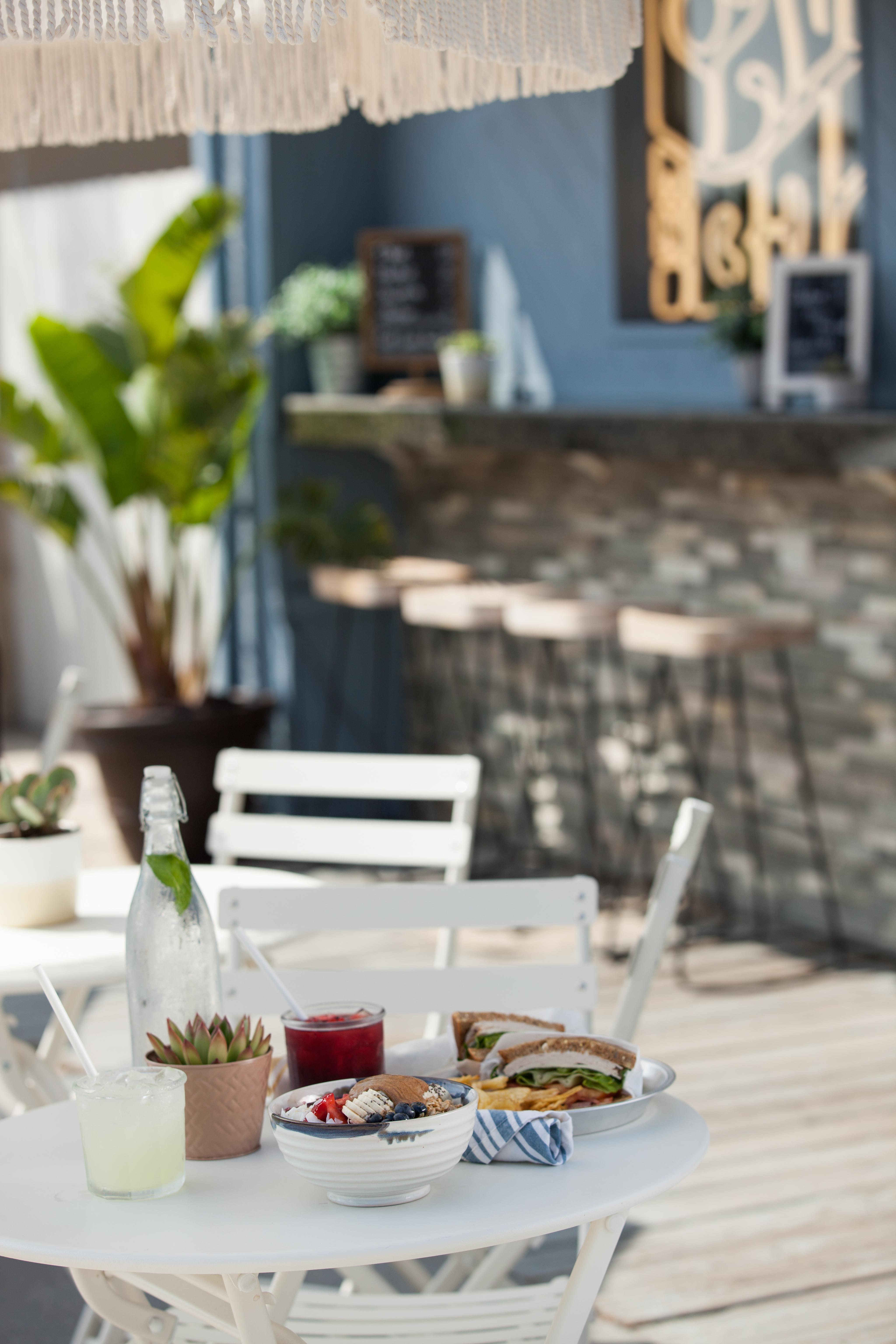 Squidly's Coffee, Sandwiches & Acai Bowls
