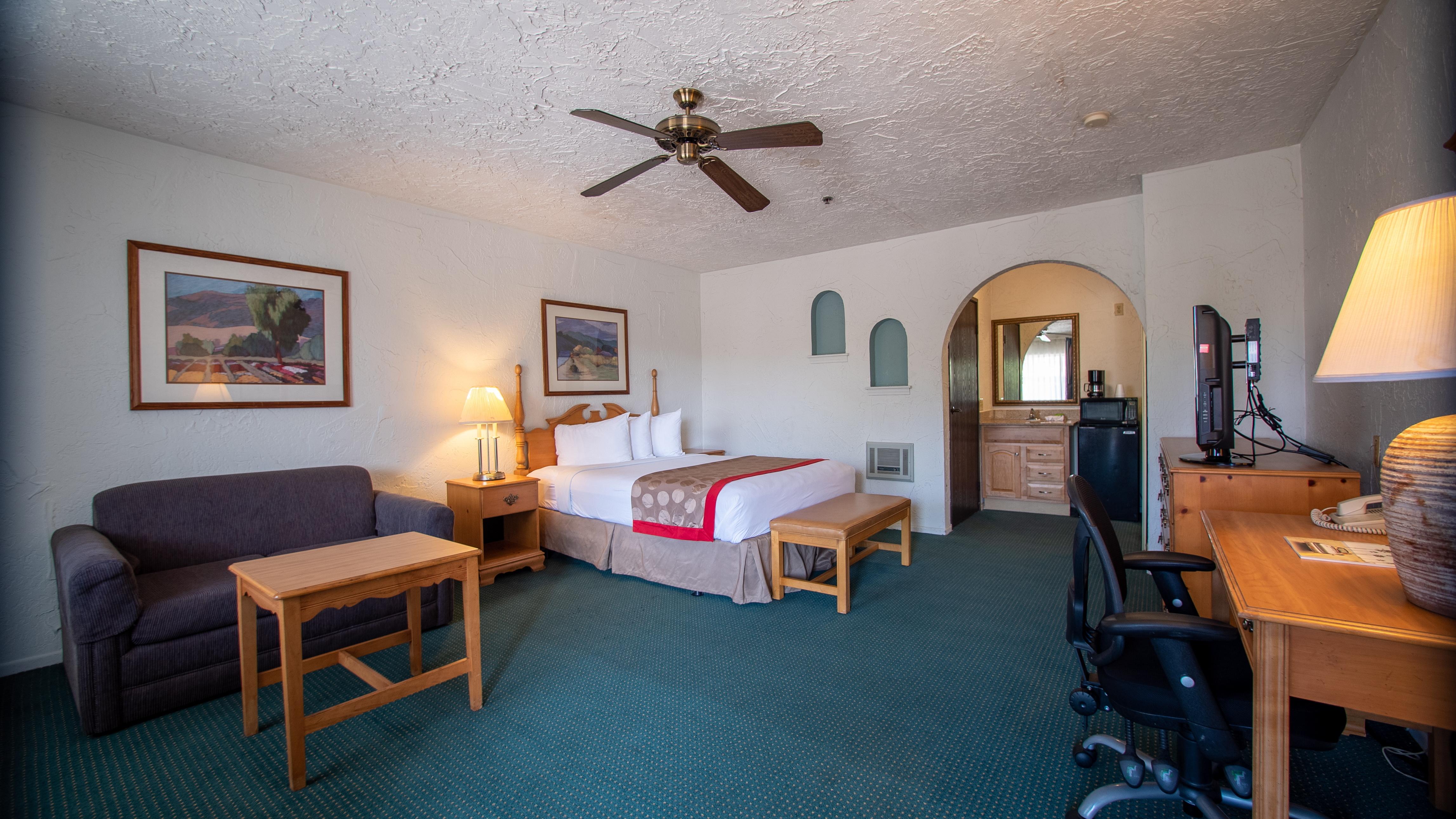 Channel Islands Inn & Suites